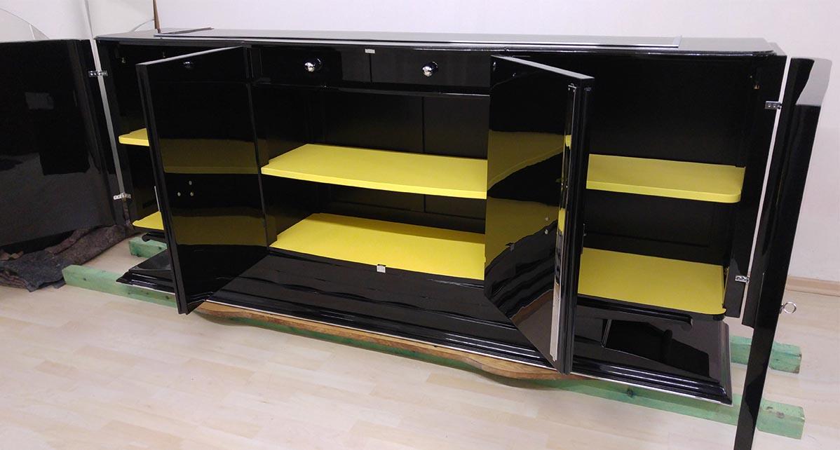 Art Deco Sideboard, Böden in maisgelb