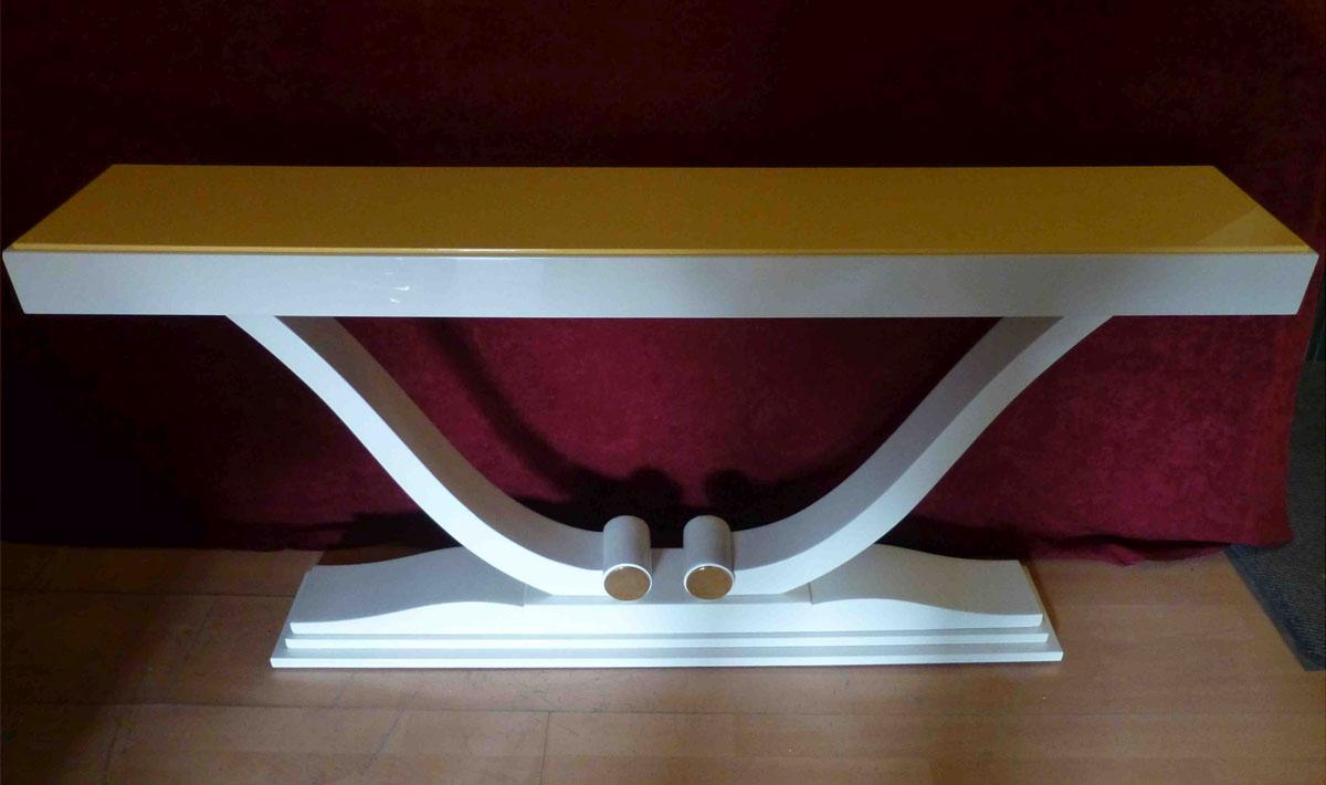 Art Deco Konsole, reinweiss, hochglanz, Oberplatte Maisgelb hochglanz