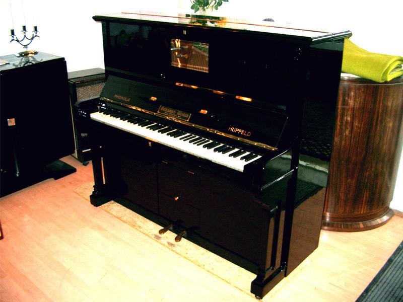 Klavier, Komplettrestaurierung in schwarz hochglanz