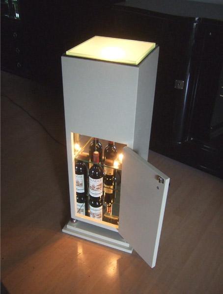 Herstellung einer Leuchtsäule mit Bar aus MDF, Lackierung hellelfenbein hochglanz, Artdeco Stil