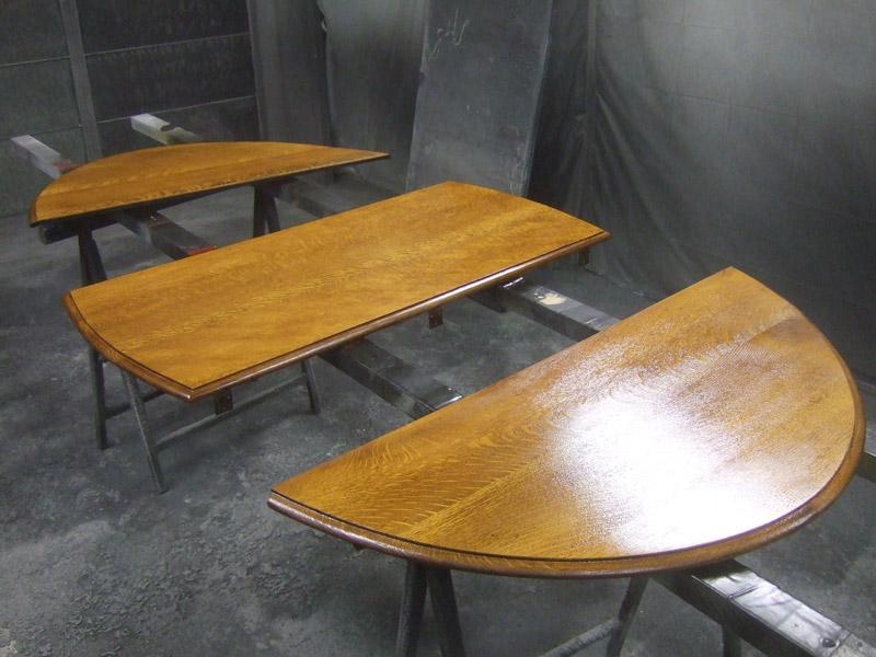 Tischplatte in Einzelteilen