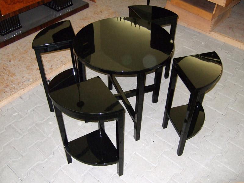 "Fertig lackiertes ""Nest of Table"" schwarz hochglanz"
