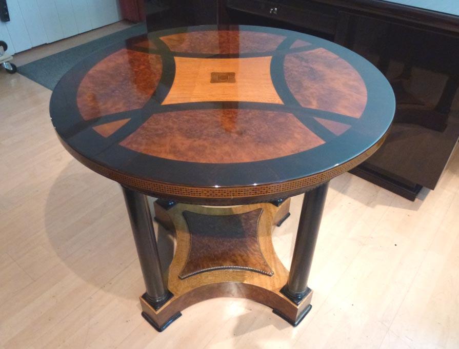 Antiker-Salontisch, Intarsien, Lackeinlagen, hochwertig restauriert