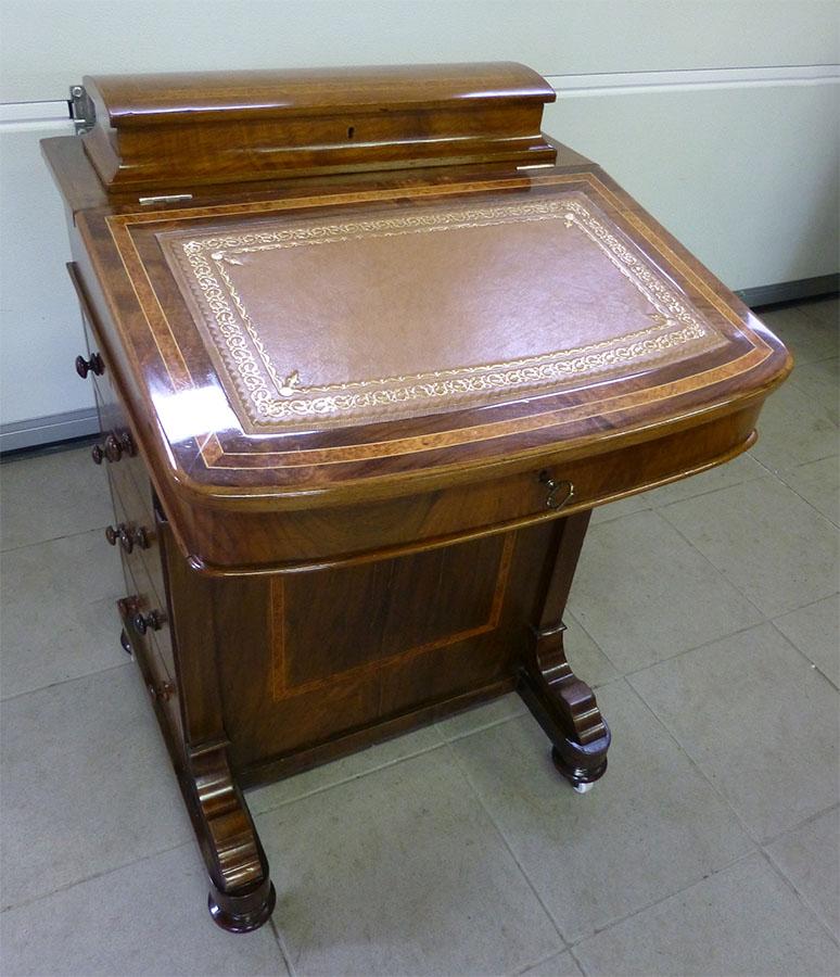 Schreibpult, hochwertig restauriert