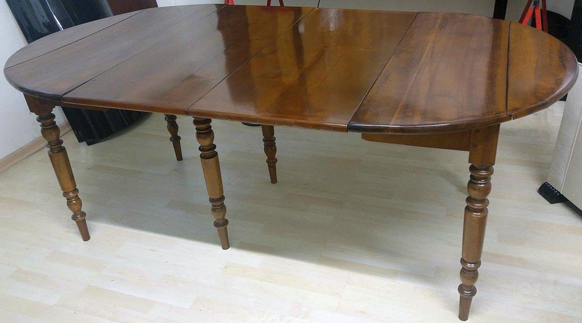 Antiker Tisch, restauriert