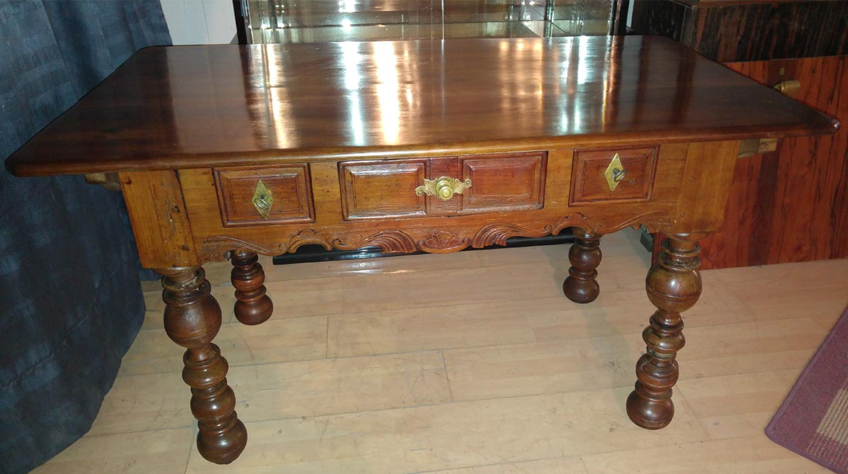 Schreibtisch Barock, restauriert